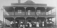 Sam Gilkinson's Royal Hotel in Bowraville Date of photograph: 1908