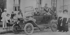 Coopers Cars Taxi Service in Eungai Date of photograph: 1914