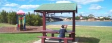 Nice park for picnic at Macksville bridge © 1999 Photo by Nambucca Graphics