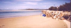 Vee Wall Beach at Nambucca Heads  © 1999 Photo by Nambucca Graphics